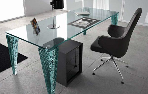 Стеклянные компьютерные и офисные столы