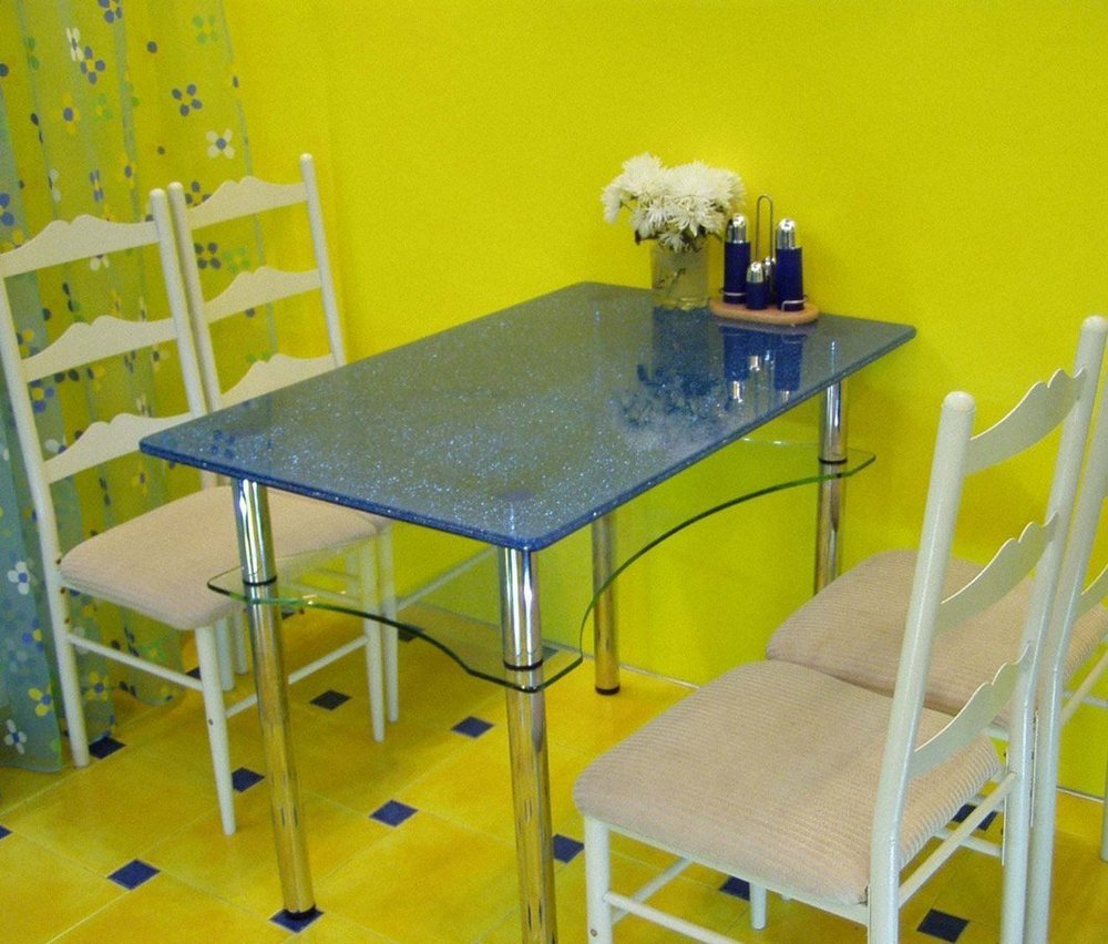 table_glass_obedeniyi