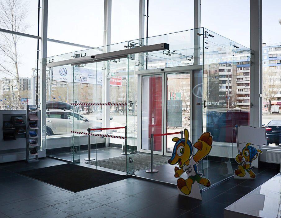 steklo-avtosalon