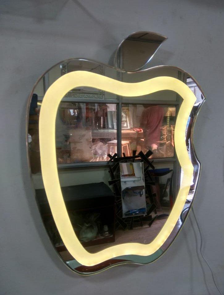zerkalo_Apple