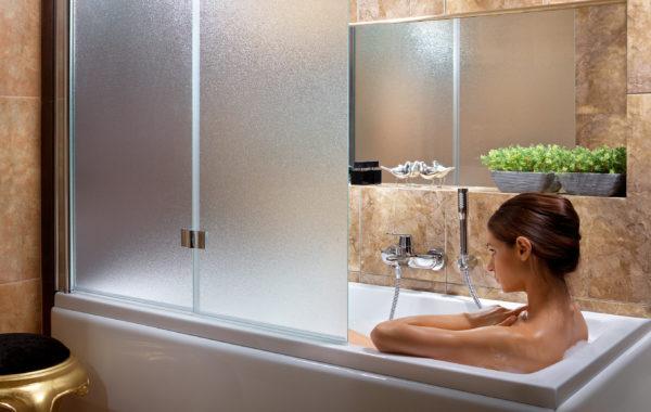 Шторки на ванну стеклянные на заказ