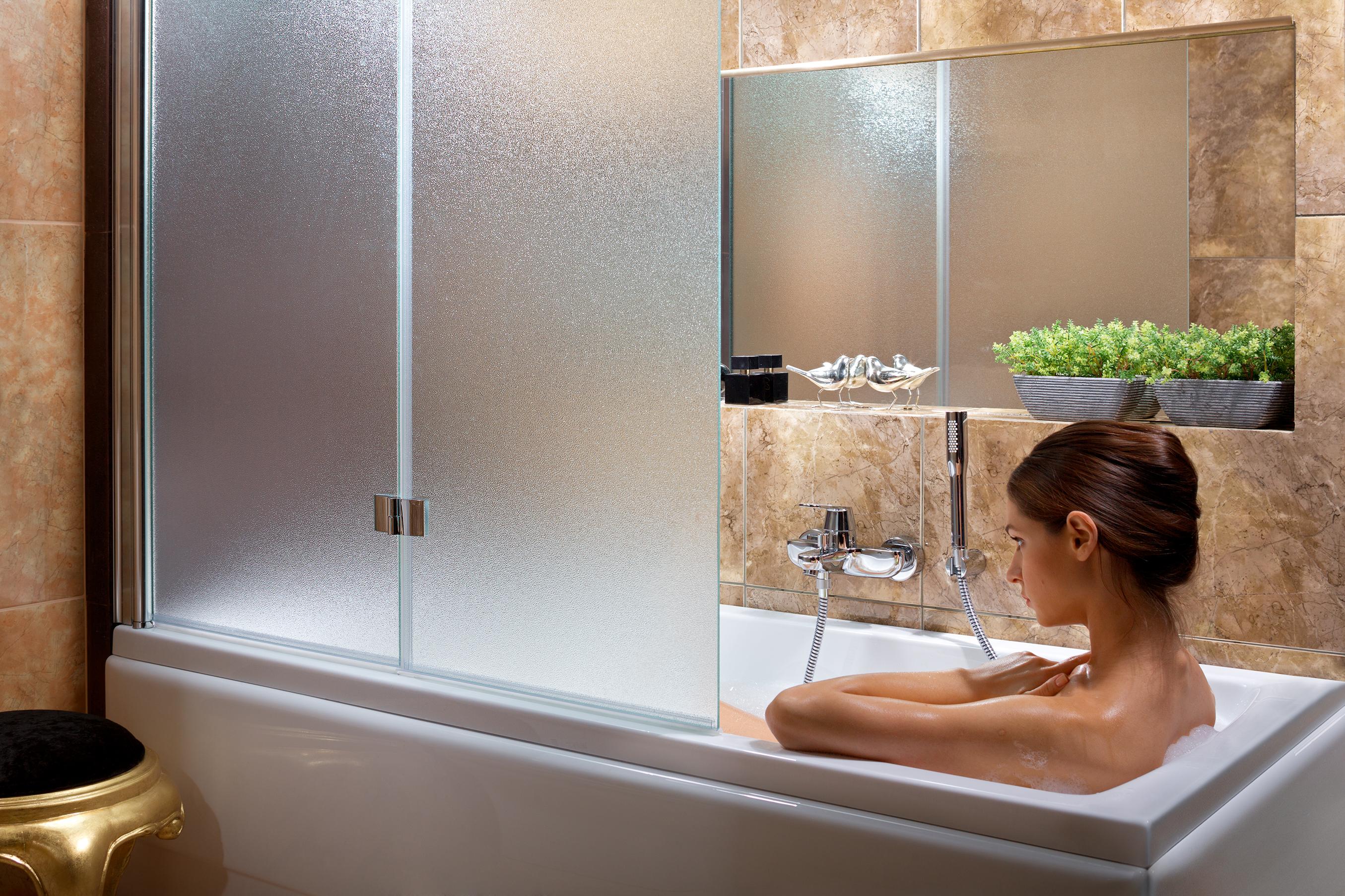 стекло матовое на ванну