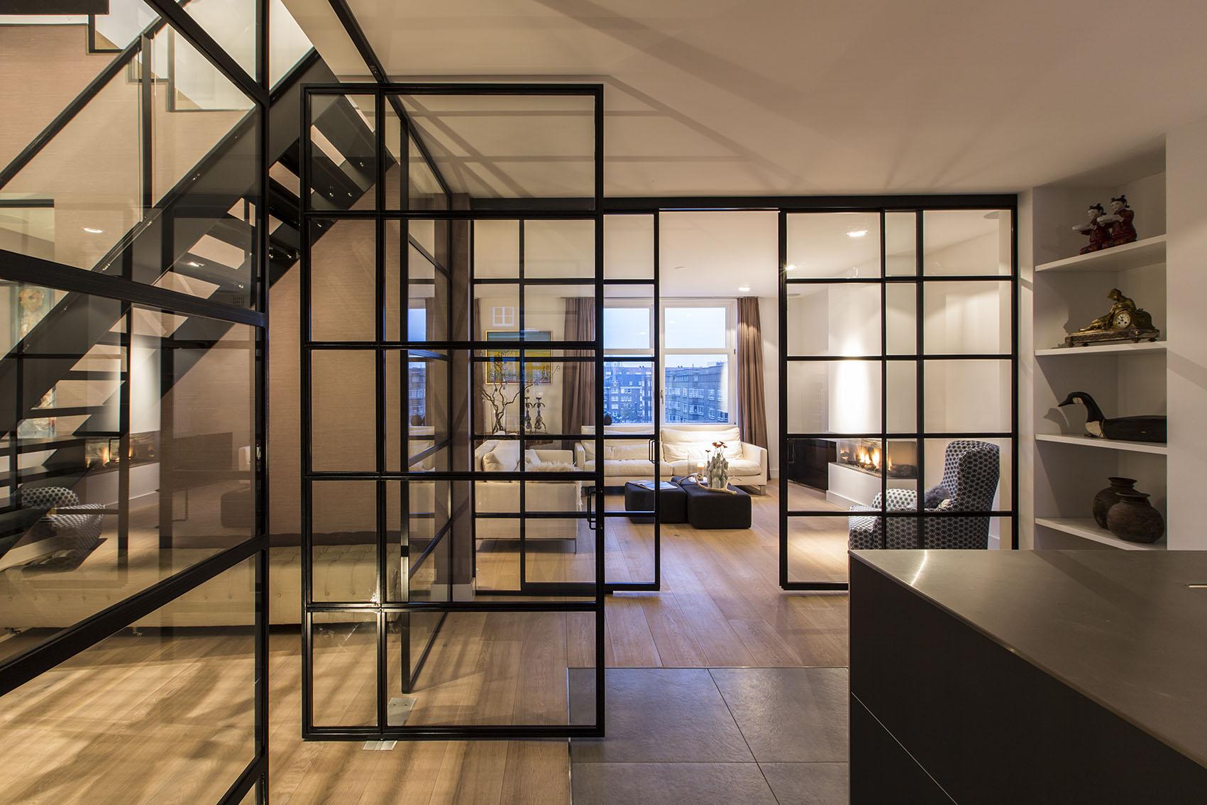 loft-lestniza-steklo